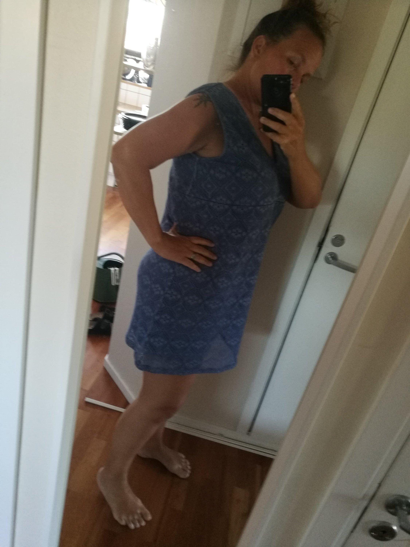 Svart klänning fitta